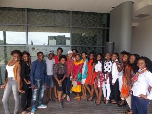 • Zuriel with Participants After Workshop | Credits: Monica Sanchez, Zuriel Oduwole Projects